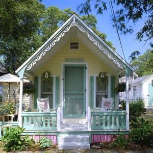 Выстраивать дачный домик упрощенного типа или возвести капитальную постройку?
